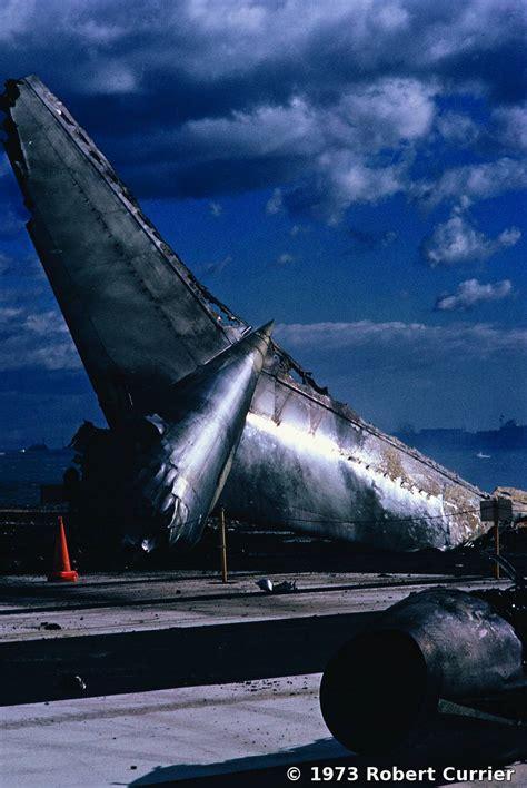 logan airport wreckage  delta plane crash  robert