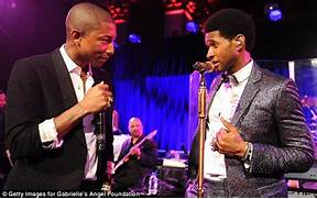 Ushers Haircut On The Voice Usher with his new afro  Usher Afro The Voice