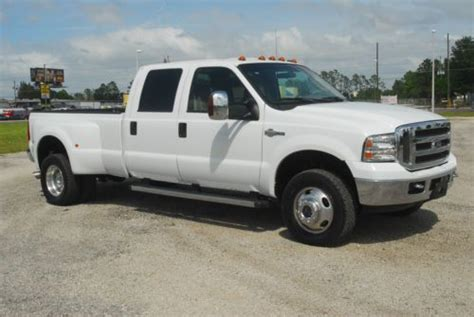 sell   ford  lariat crew cab  diesel