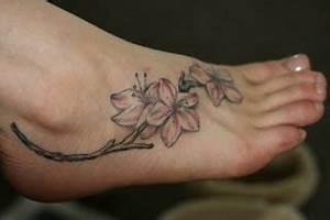Tattoo Auf Dem Fuß : 110 fu tattoos f r m nner und frauen sitemap ~ Frokenaadalensverden.com Haus und Dekorationen