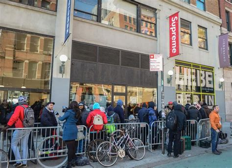 Supreme New York Store by Slashed In In Manhattan 5th Blade Attack In 3