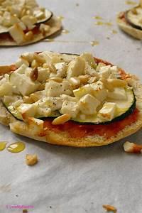 Pita pizza's met courgette en feta - Lovemyfood.nl