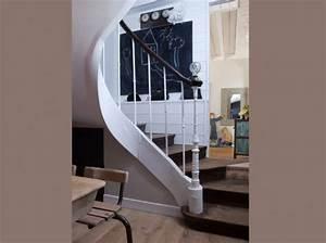 decoration entree de maison avec escalier With idee deco entree avec escalier