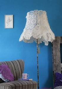 Doily lampshade floor lamp meet my new flatmate modewaerts for Doily paper floor lamp