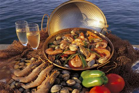 dining   holiday apartment rental  vilamoura