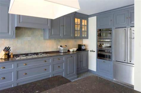 cuisine peinte en gris la decobelge chez wood fashion el 39 lefébien