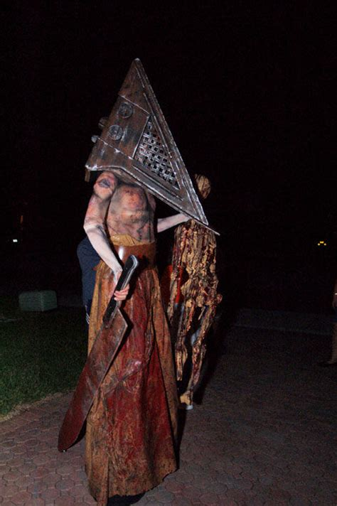 pyramid head kostuem