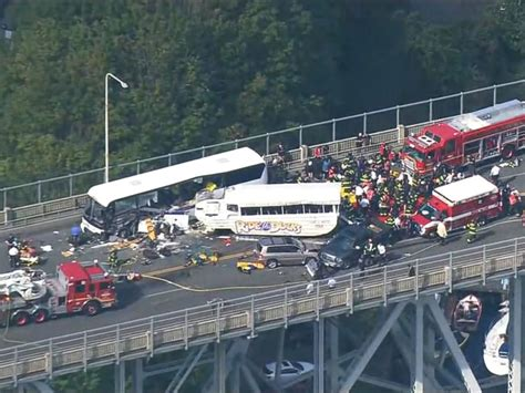Duck Boat Accident Seattle by Seattle Duck Boat Bus Collision Leaves 4 College Students