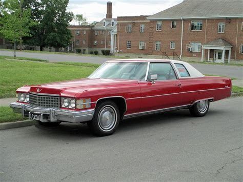 File:1974 Cadillac Coupe DeVille red.jpg - Wikimedia Commons