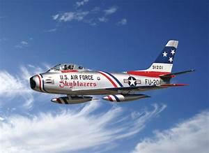 North American F-86F Sabre Jet ''Skyblazers'' Italeri 2503