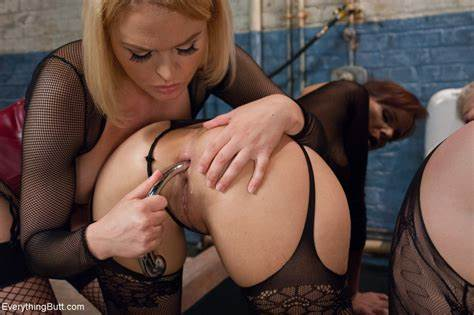 Everything Is Possible With The Beautiful Chick Syren De Mer And Her Mfm Ladies Loving A Domination Lesbians