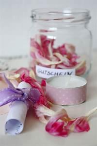 Wie Kann Man Gutscheine Schön Verpacken : gift wrapping 3 ideen um gutscheine zu verpacken rosy grey diy blog lettering m nchen ~ Markanthonyermac.com Haus und Dekorationen