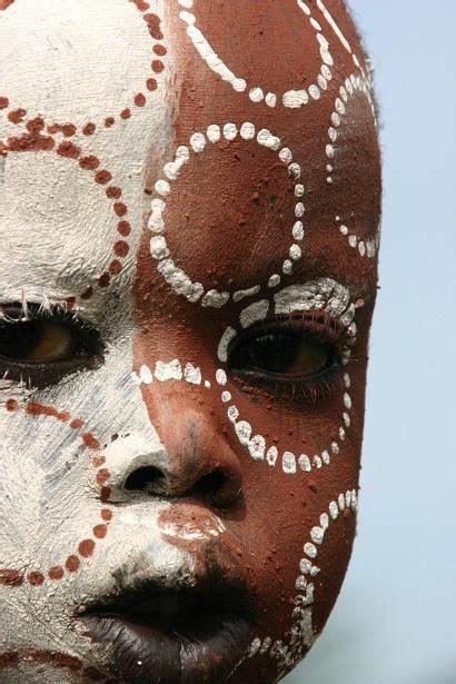 25 melhores ideias sobre maquiagem tribal africano no pinterest maquiagem africana maquiagem