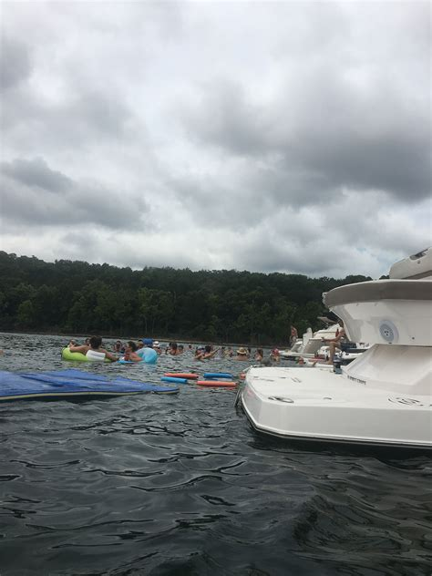 table rock lake pontoon rentals table rock house boats 28 images 100 houseboat rentals