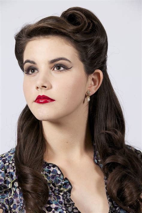 Retro Womens Hairstyles by Best 25 Vintage Hair Ideas On Vintage