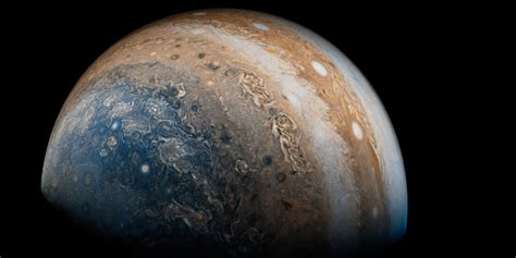 Nasa's Juno Probe Beams Back Stunning New Photos Of