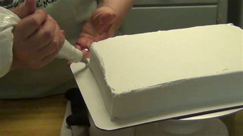 icing  quarter sheet cake   easy icer  adding