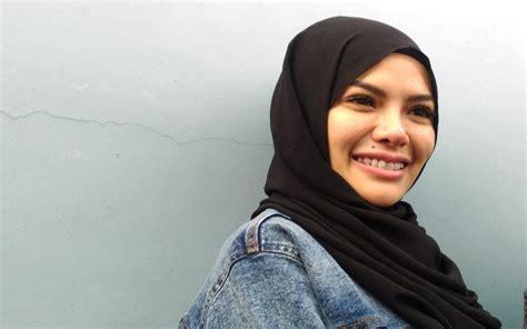 Hijrah Nikita Mirzani Berharap Dipertemukan Dengan Kedua