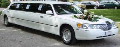 limousine mariage file lincoln town car limousine wedding car jpg