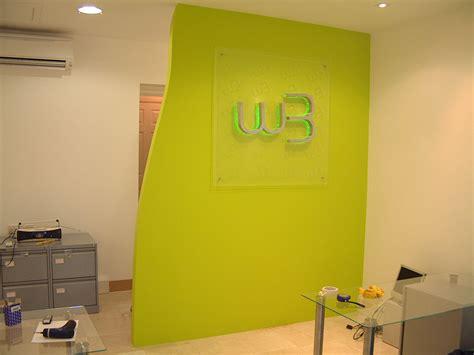oad creative design screens feature walls office