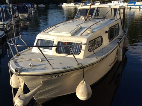 Freeman Boats Uk by Freeman 23 Boat For Sale Quot Lilly Quot At Jones Boatyard