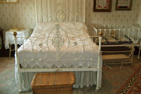 shabby chic couture furniture shabby chic bedding ideas chic freaks your source for all things chic