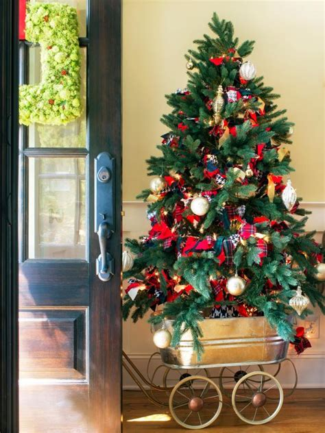 mobile christmas tree hgtv