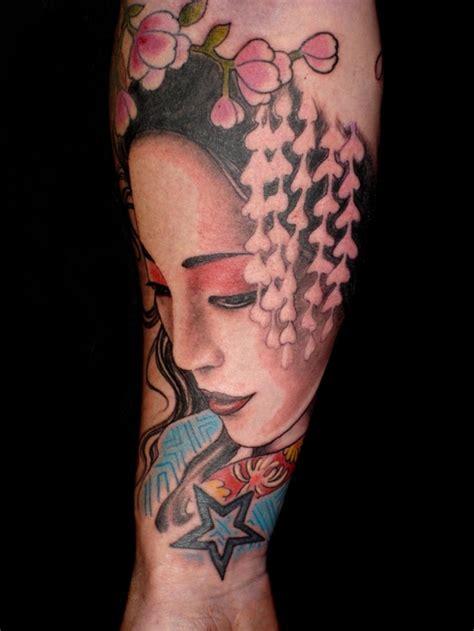 25 Striking Geisha Tattoos Designs