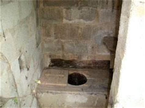 la toilette au moyen age les wc ont du style style moyen 194 ge 212 petit coin