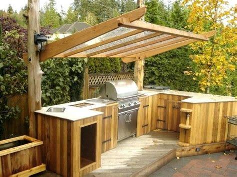 Outdoor Küche Mit überdachung Aus Holz Und Glas