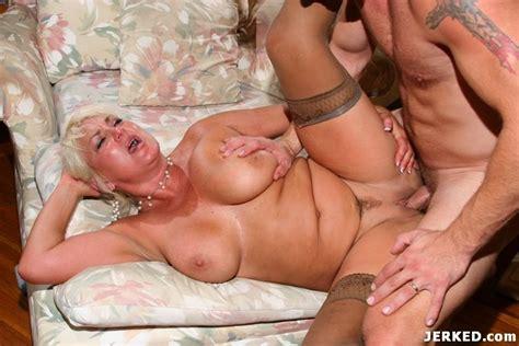 big tits hot blonde mature in sexy bra having hardcore sex pichunter