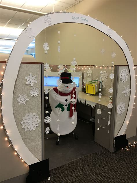 snow globe christmas cubicle decorating