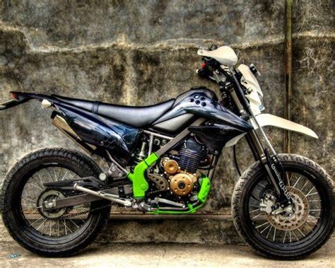 Biaya Modifikasi Klx 150 Supermoto by Modifikasi Klx 150 Supermoto Motor Kawasaki Buat Adventure