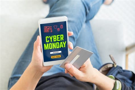 The cash app cash card is a visa debit card, which we will be use for pay for goods online and services, any atm and at any stores square cash card is a free, customizable debit card linked to the balance of your cash app. 9 Best Credit Cards to Use on Black Friday & Cyber Monday ...