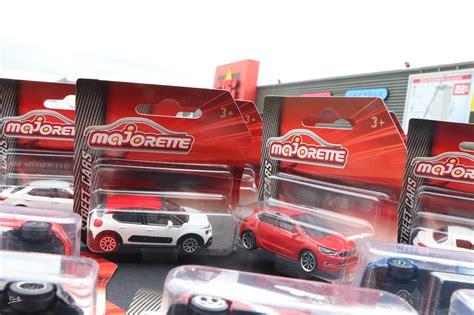 Cars Arrive La S 233 Rie Majorette Street Cars Arrive Chez Gifi Mininches