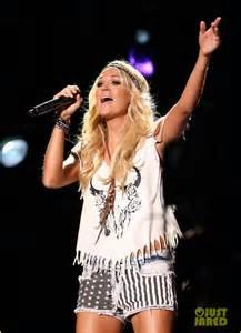 Carrie Underwood CMA 2013