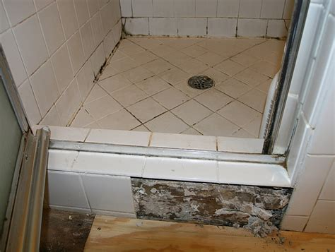 diy bathroom remodeling tips guide