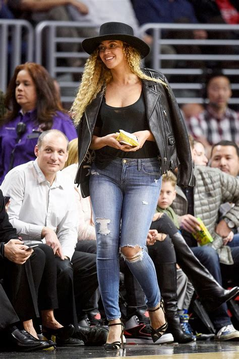 ways  steal  favorite celebs courtside style