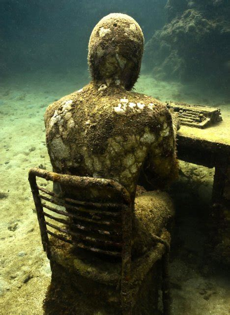 lost correspondent underwater sculpture  jason decaires taylor