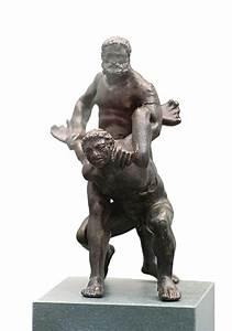 File:Pankratiasten in fight greek statue 2 century bC.jpg ...