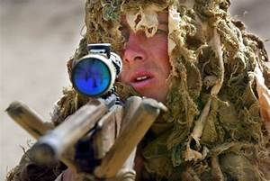 Sniper Kills 4 ISIS Thugs With Single Bullet From a Mile ...