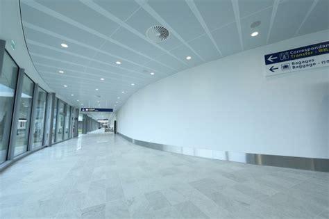 plafond de la ss les plafonds chauffants et rafra 238 chissants zehnder s adaptent 224 l esth 233 tique de la nouvelle