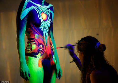World Bodypainting Festival Models Turn Themselves Into Ombre Nail Arts That You Will Love Clip Art Kitchen Yorba Linda Martial Training Near Me And Craft Fairs Printing Beer Designs Glitter