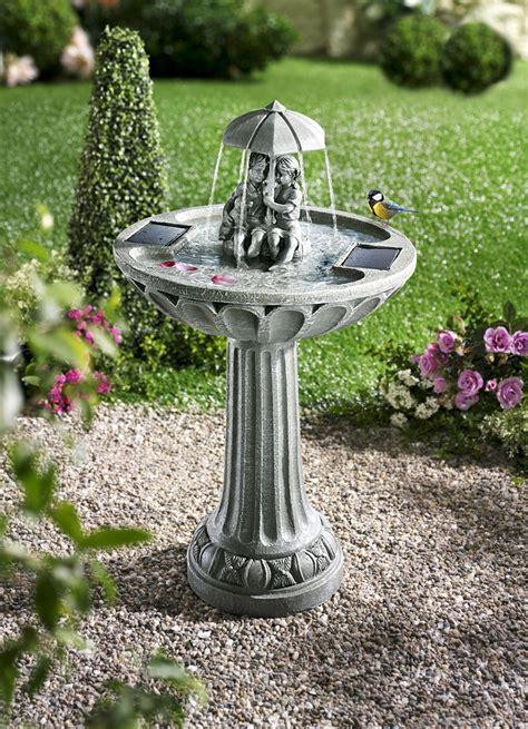 garten springbrunnen solar solar springbrunnen leuchtende dekoration bader