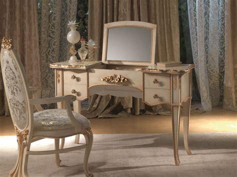 vintage mirrored vanity furniture   vintage wooden