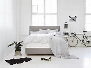 Hohe Betten Für Senioren : hohe betten liegen im trend schlafzimmer zenideen ~ Frokenaadalensverden.com Haus und Dekorationen