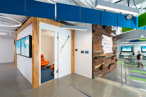 otj architects inside booz allen s innovation center