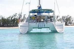 41ft Cruising Sailing Catamaran Yacht For Charter In Miami