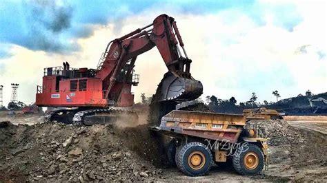 big toys excavator hitachi  loading cat  dump truck youtube