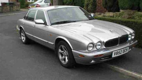 Jaguar 2000 Xj8 Auto Silver 80k Spares Or Repairs. Car For